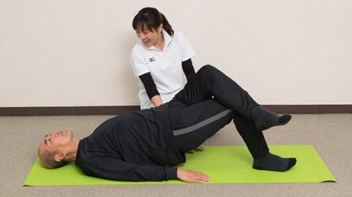 体幹部を鍛える運動と、腰周りをほぐすストレッチ2種